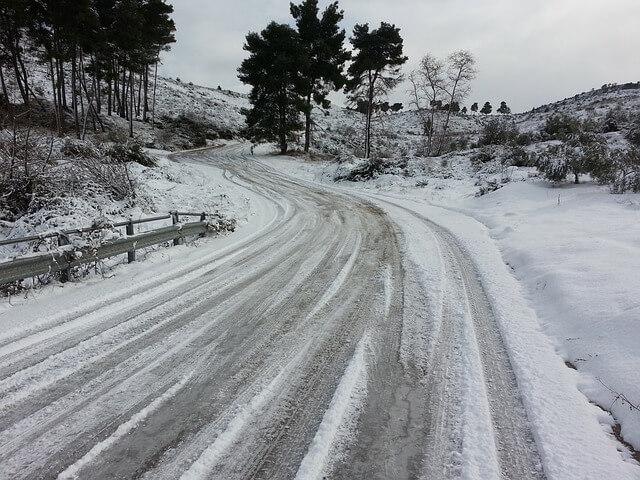 路面凍結とは